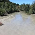 Een Andes-riviertje vol vulkaanstof