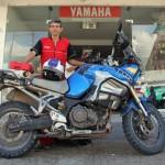 Een trotse Yamahamonteur in Leticia