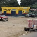 Benzineverkopers langs de weg